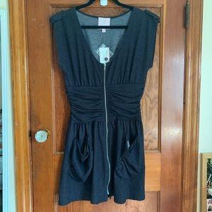 Romeo & Juliet Couture Zipper Dress